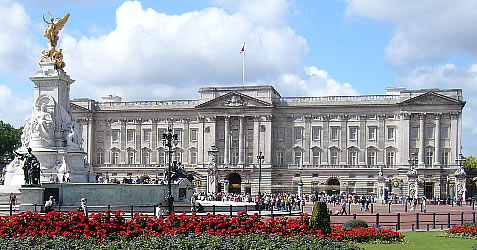 Buckingham Palace to get £369m TAX Funded refurbishment