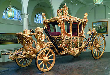 RoyalMews - Elizabeth, The Queen